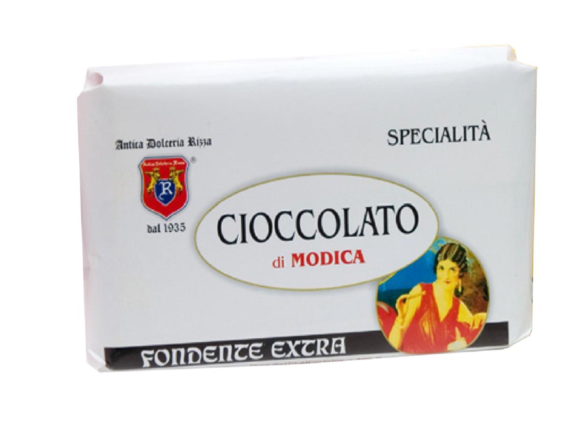 TRADIZIONALE FONDENTE NERO Cacao minimo 50% Ingredienti: Pasta di cacao, Zucchero Peso: 500 g