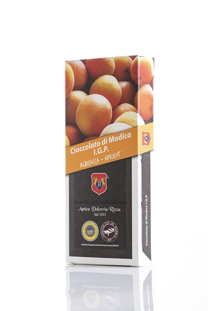 CIOCCOLATO ALL'ALBICOCCA Cacao minimo 50% Ingredienti: Pasta di cacao, Zucchero, Albicocca 0,8%, aromi naturali Peso: 100g