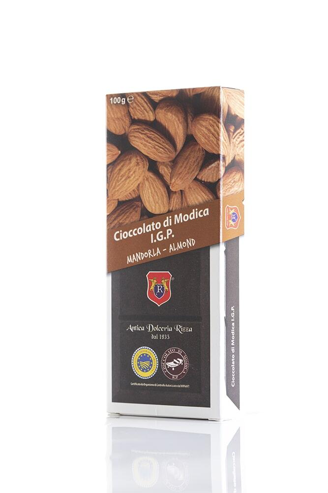 CIOCCOLATO ALLA MANDORLA Cacao minimo 50% Ingredienti: Pasta di cacao, Zucchero, Mandorla 8% Peso: 100g